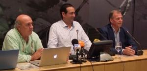 De izda. a dcha., Ángel Trallero, dtor de la campaña de comunicación; Antonio Cosculluela, Alcalde de Barbastro y Mariano Beroz, Presidente del C.R. D.O. Somontano.
