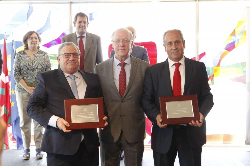 Salamero en el centro junto a J osé María Daroca (izda) y Luis Alberto Lecea (dcha).
